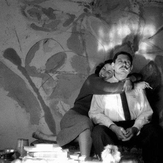 Burt Glinn, USA. New York City. 1957. Painter Helen Frankenthaler and sculptor David Smith in Frankenthaler&#39;s studio.