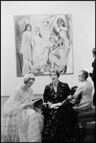 GB. London. 1960, Opening of the Picasso retrospectiv e at the Tate Gallery., by Burt Glinn