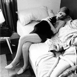 Burt Glinn, England. London. 1966. &#39;Twiggy with her cat&#39;.
