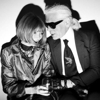 Christopher Anderson, Italy. Milan. February 2008. Karl Lagerfeld and Anna Wintour chat backstage of the Fendi show