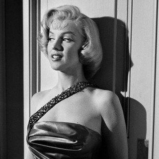 "Frank Worth, Marilyn Monroe Against wall on Set of ""How to Marry a Millionaire"""