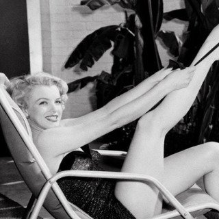 Frank Worth, Marilyn Monroe in Bathing Suit with Leg Up